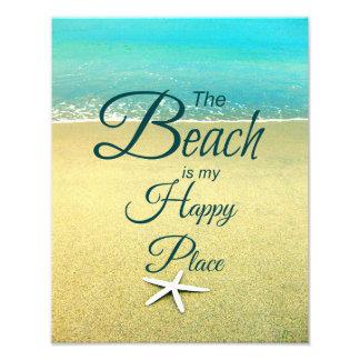 Foto feliz de la cita de la playa del lugar