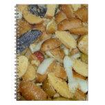 foto frita de la comida de las cebollas del queso  cuaderno