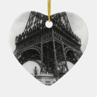 Foto from 1800 del vintage de la torre de Eifel Adorno Navideño De Cerámica En Forma De Corazón