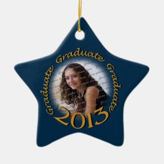 Foto graduada del azul 2013 y del oro adorno navideño de cerámica en forma de estrella