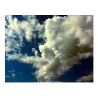 Foto hermosa del cielo de la naturaleza de la nube postal