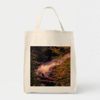 Foto hermosa del paisaje de la cascada bolsa tela para la compra
