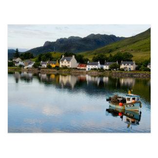 Foto hermosa del pequeño pueblo de Dornie con Tarjeta Postal