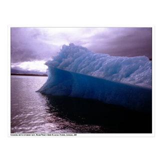 Foto - iceberg con el cielo tempestuoso - postal