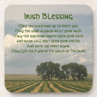 Foto irlandesa de las tierras de labrantío de la posavaso