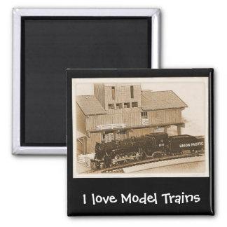 Foto modelo pasada de moda del tren imán cuadrado
