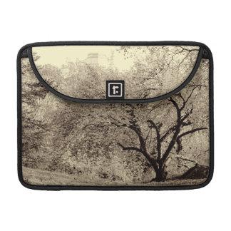 Foto negra y blanca del vintage de la naturaleza d funda para macbook pro