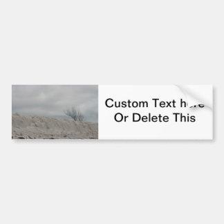 Foto oscura de la duna de la playa y del árbol mue pegatina para auto