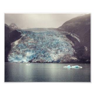 Foto oscura y dramática del glaciar el | de Alaska Fotografía