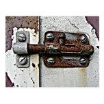 Foto oxidada de la cerradura del perno postal