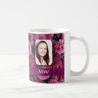 Foto personalizada floral rosada taza básica blanca