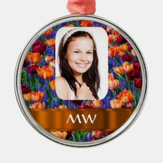 Foto personalizada tulipán anaranjado adorno navideño redondo de metal