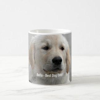 Foto personalizada y nombre del perro del golden taza básica blanca