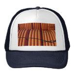 Foto plástica en espiral anaranjada de la tubería gorras