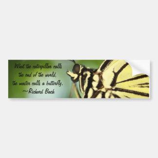 Foto principal y cita de la mariposa pegatina de parachoque
