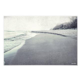 Foto retra de la línea de la playa hermosa del lag