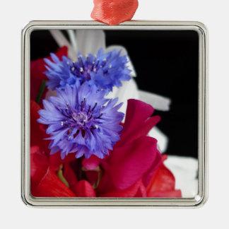 Foto roja, blanca y azul del centro de flores adorno navideño cuadrado de metal