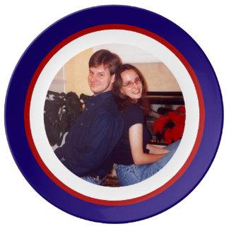 Foto roja, blanca y azul platos de cerámica