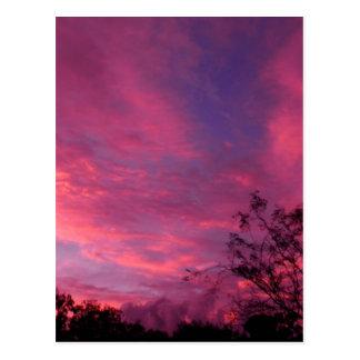 Foto rosada y azul de los cielos del cielo de la tarjetas postales