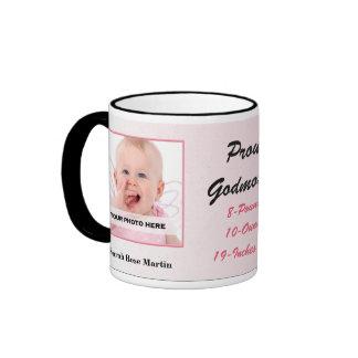 Foto rosada y negra de la madrina orgullosa del taza de dos colores
