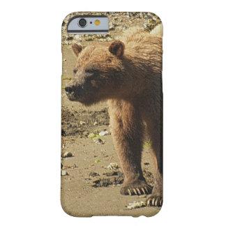 Foto salvaje 2 de la fauna del oso grizzly que funda barely there iPhone 6