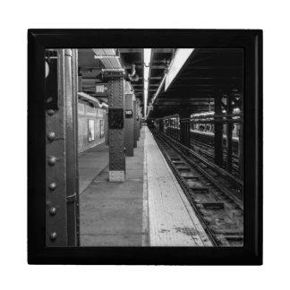 Foto urbana del subterráneo cajas de recuerdo