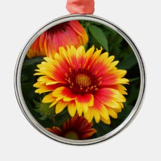 Foto vibrante de la flor combinada ornamentos de navidad