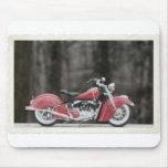Foto vieja de la motocicleta del color tapetes de raton
