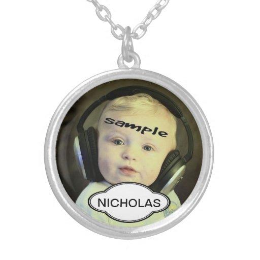 Foto y plantilla conocida personalizada del collar