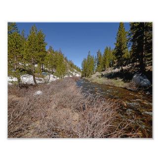 Fotografía 3936 de una montaña corriente-Yosemite  Fotografías