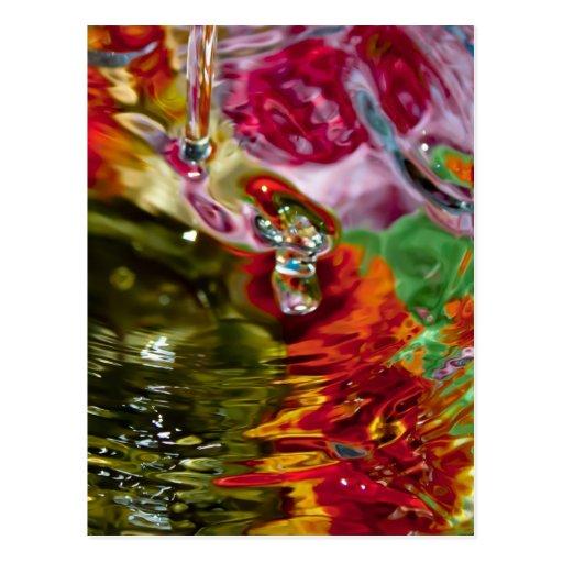 Fotografía abstracta de las aguas coloridas postales