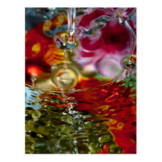 Fotografía abstracta de las aguas coloridas tarjeta postal