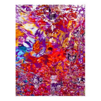 Fotografía abstracta de las aguas coloridas postal