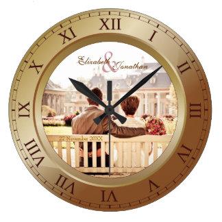 Fotografía adaptable del bronce del aniversario de reloj redondo grande