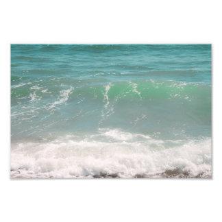 Fotografía azul de la playa del mar verde de las o fotografia