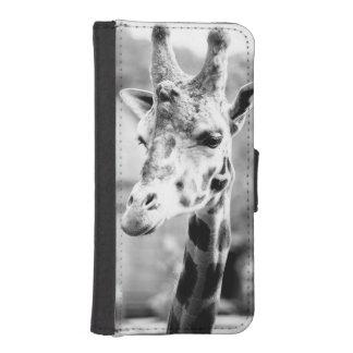 Fotografía blanco y negro del retrato de la jirafa funda tipo billetera para iPhone 5
