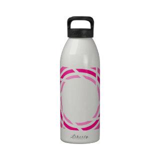 fotografía botella de agua reutilizable