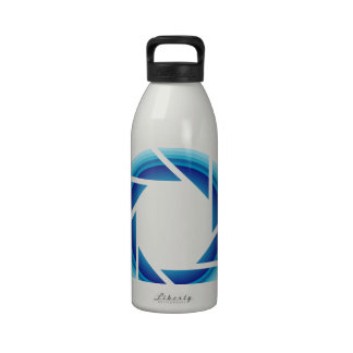 fotografía botellas de agua reutilizables