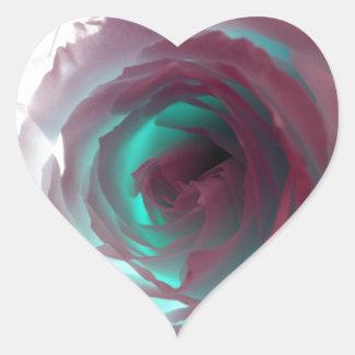 Fotografía color de rosa de neón pegatina en forma de corazón