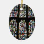 Fotografía de Barcelona del vitral de Sagrada Adorno Navideño Ovalado De Cerámica