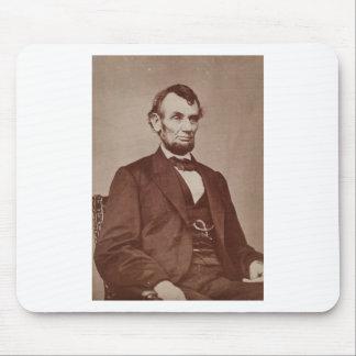 Fotografía de Brady de Abraham Lincoln Alfombrillas De Raton