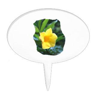 Fotografía de la flor de trompeta amarilla decoración para tarta