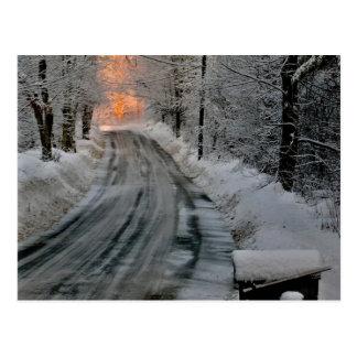 Fotografía de la sol de la mañana del invierno postal