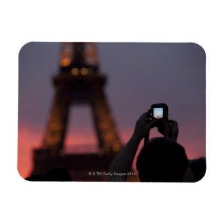 Fotografía de la torre Eiffel con un smartphone Rectangle Magnet
