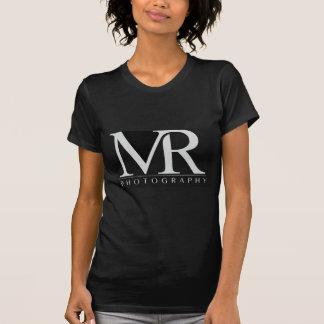 Fotografía de Melanie Ramiro (negro del logotipo Camisetas