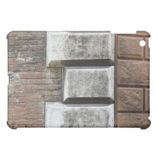 Fotografía de una pared de ladrillo vieja en Siena
