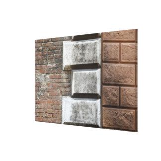 Fotografía de una pared de ladrillo vieja en Siena Impresiones En Lona