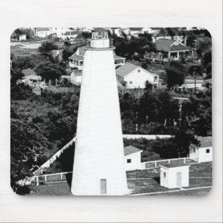 Fotografía del faro de Ocracoke del vintage Tapetes De Ratones