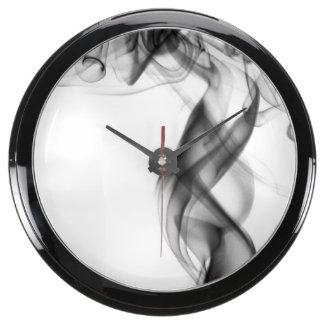 Fotografía del humo - negro reloj aqua clock