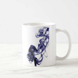 Fotografía del humo - taza azul